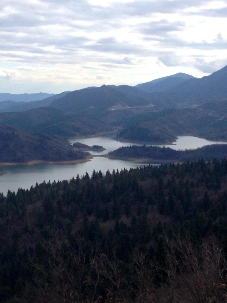 Λίμνη Πλαστήρα: Τεχνητή ομορφιά
