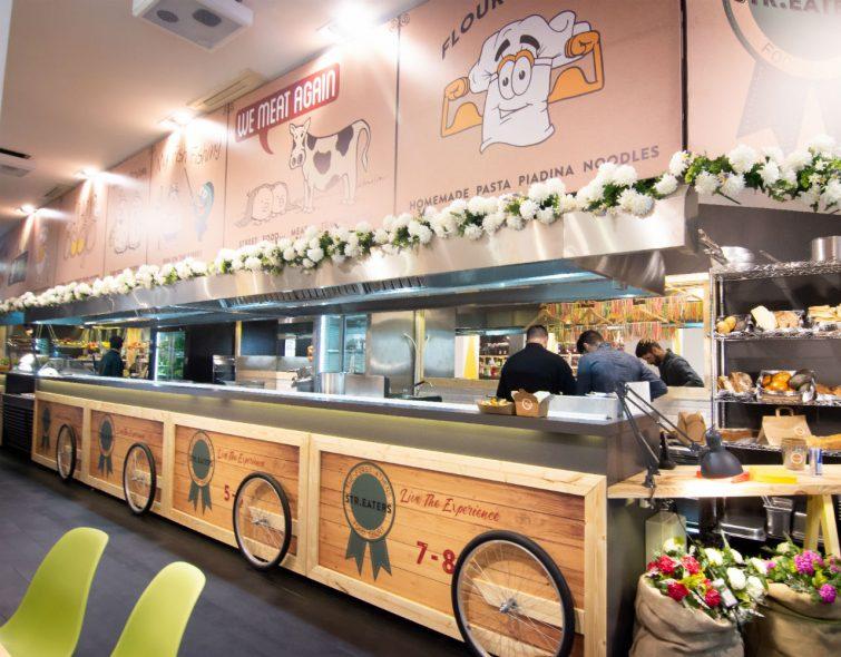 Το πρώτο street food court, το Str. Eaters βρήκε τη θέση του στο κέντρο της Αθήνας