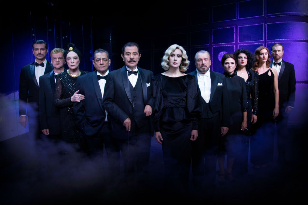 Ο τυχερός που θα δει τη παράσταση «Έγκλημα στο Orient Express»